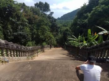 Stairs to the Samathi pagoda