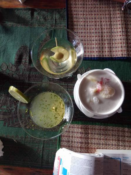Cocktails and traditional Khmer dessert